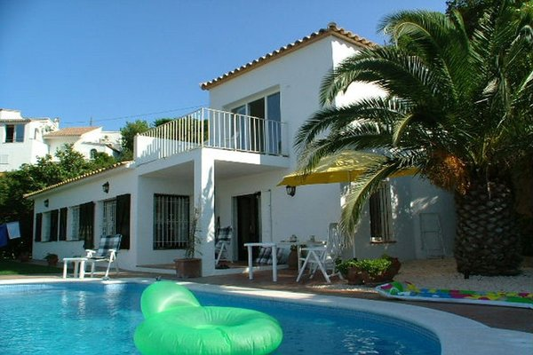2N - EN - (Persons: 6, Pool, TV/SAT, Pets allowed)