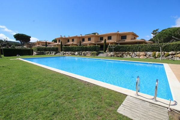 2P - Typ A - EN - (Persons: 6, Pool, TV/SAT, Wifi, Heater, Pets allowed)