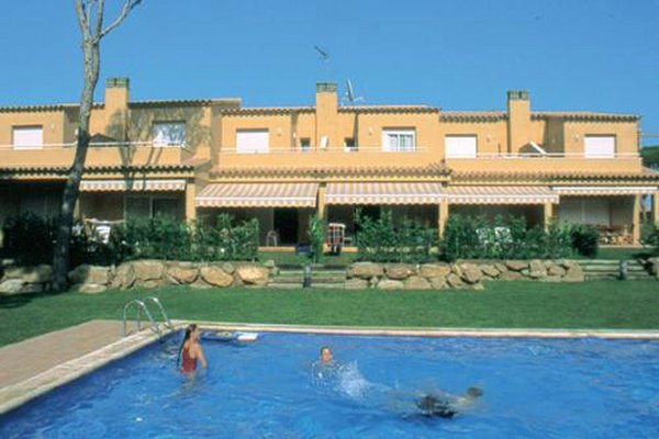 3D - EN - (Persons: 6, Pool, TV/SAT, Heater, Pets allowed, Wifi)
