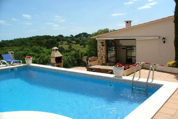 4P - EN - (Persons: 8, Pool, TV/SAT, Pets allowed, Wifi)
