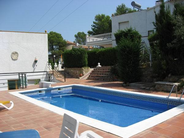 6L - Typ A - EN - (Persons: 6, Pool, TV/SAT, Wifi, Pets allowed)